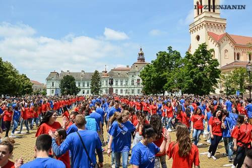 ples-maturanata-zrenjanin-2014-8