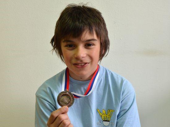 Aleksa sa medaljom