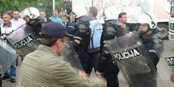 agroziv-policija-3_660x330
