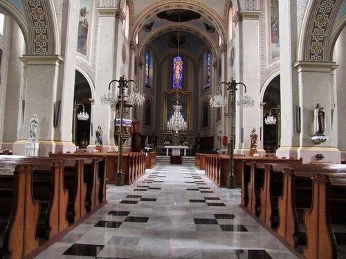 enterijer-crkve