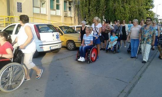 setnja-zene-sa-invaliditetom