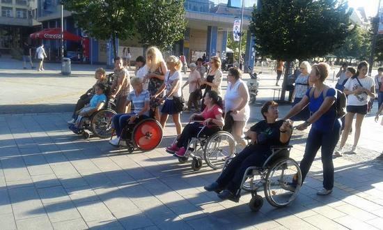 setnja-zene-sa-invaliditetom1