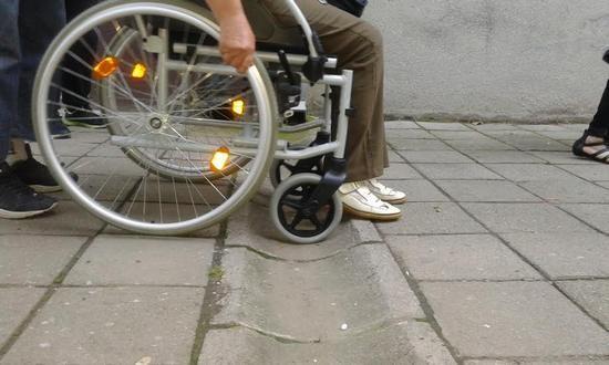 setnja-zene-sa-invaliditetom2