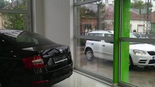 auto-centar-cune-novi-salon1