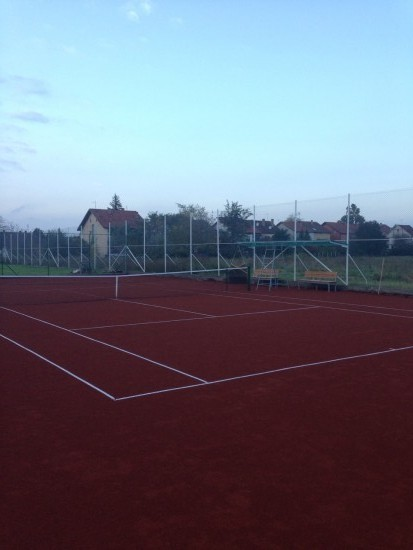 Bambi teren tenis