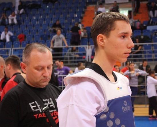 Miloš Šućur sa trenerom Slavišom Perićem. Foto: DSN