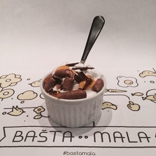 basta-mala-yogurt-frozen-2