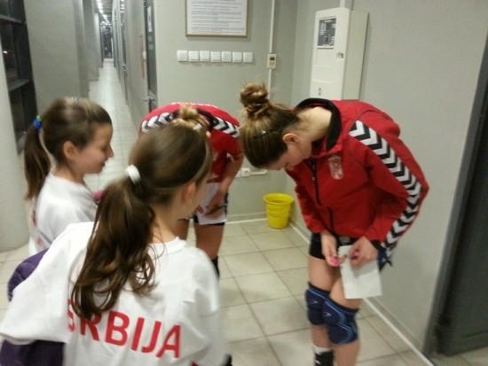 Jelena Živković je delila autograme posle utakmice