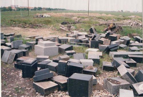 jevrejsko-groblje-postamenti