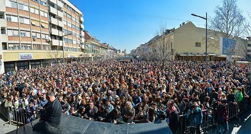 parni-valjak-koncert-2015-pano