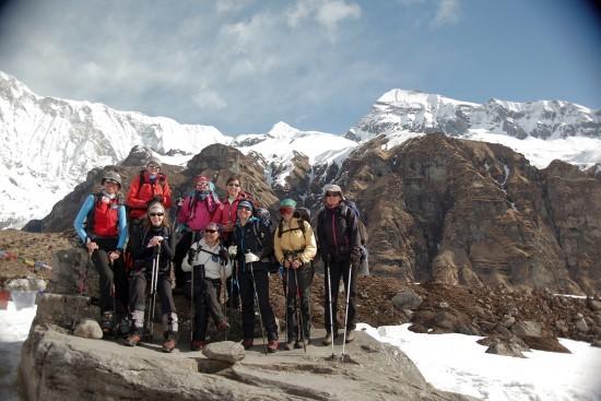 Silazak. Vrh Tharpu Chuli je gore desno (foto A. Rasin)