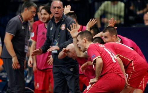 Rajčević i drugovi proslavljaju pobedu protiv Slovenije