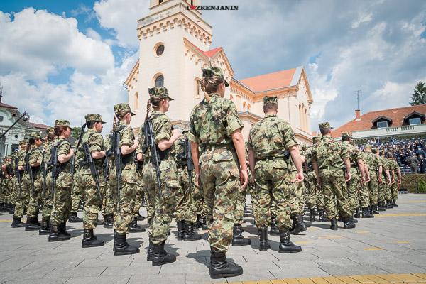 vojna-parada-zrenjanin-2016-00016