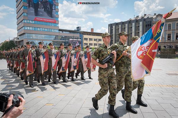 vojna-parada-zrenjanin-2016-00088