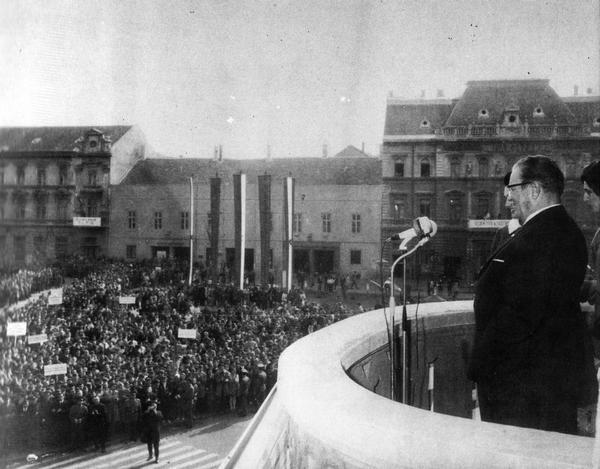 Tito na balkonu Gradske kuće, 25. oktobra 1969. godine