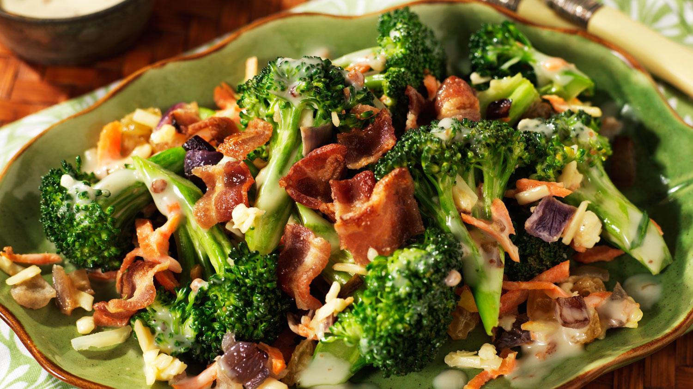 brokoli salata sa slaninom