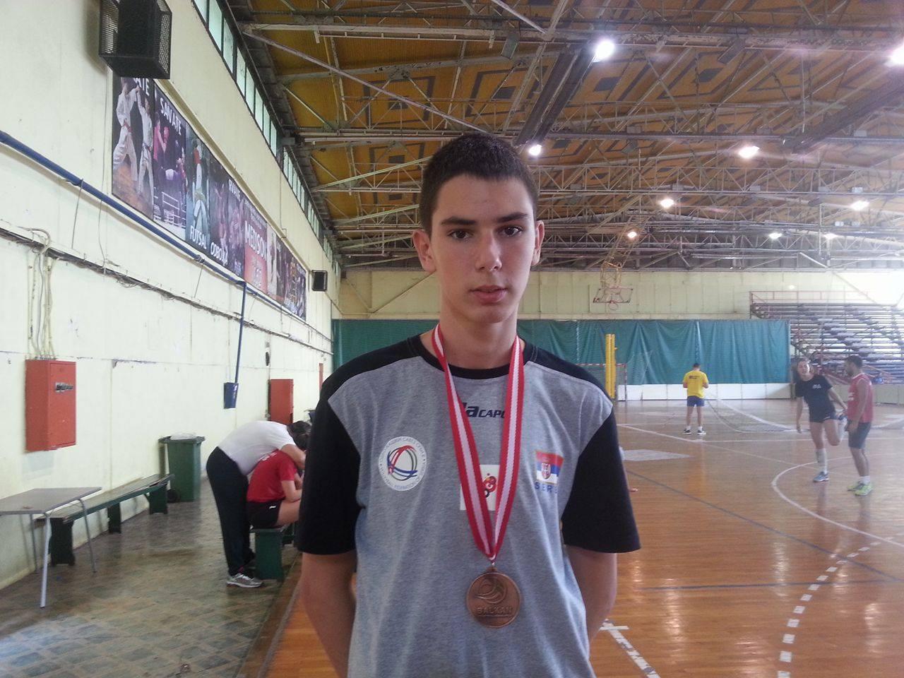 Bronza sija kao zlato: Luka Blagojević sa medaljom sa BŠ