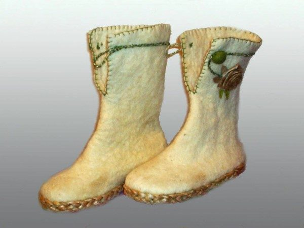 rogoz-cizme-bele