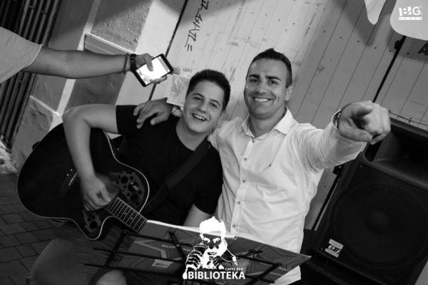 Petak rezervisan za Fenix duo: Milan Sarajlić (gitara)