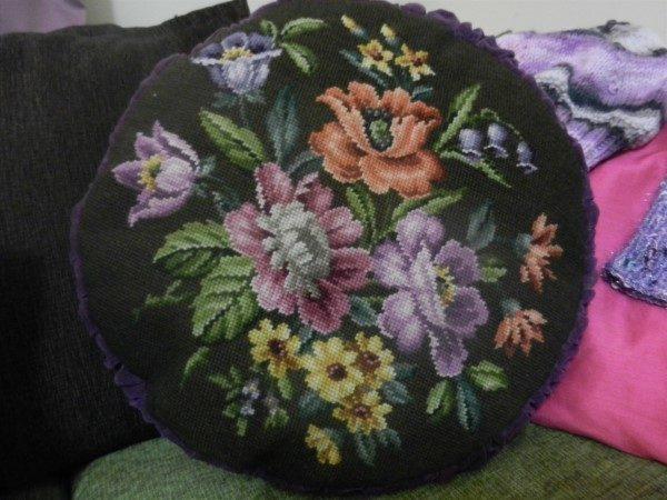 jastuce-okruglo