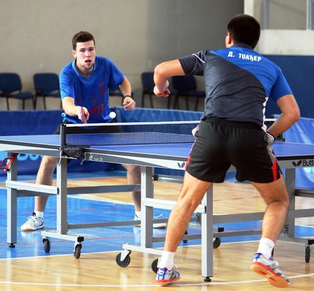 Marko Popović (Stenes) u duelu sa Toađerom