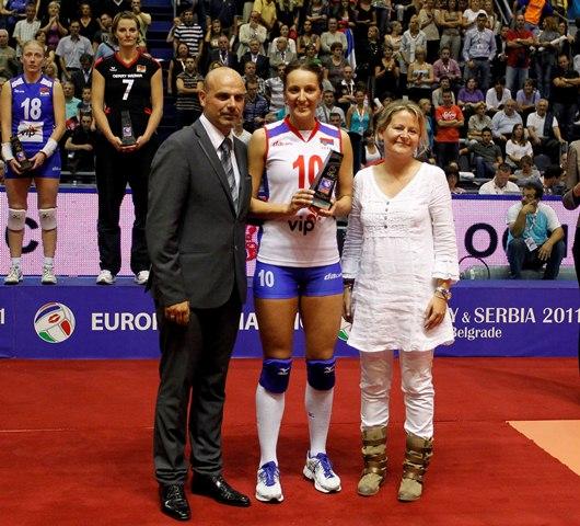 Maja Ognjenović dobija nagradu