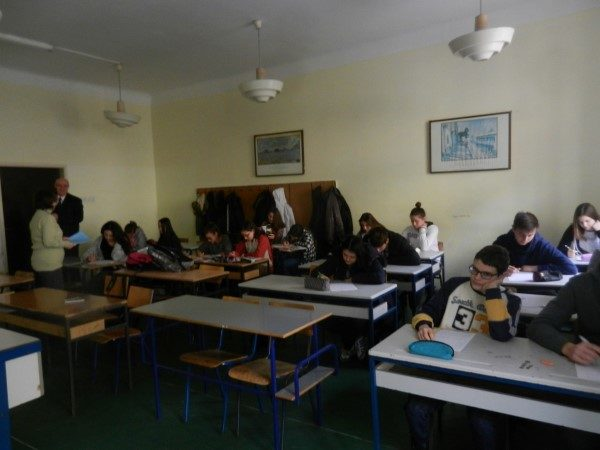 Zrenjaninska-gimanzija-đaci