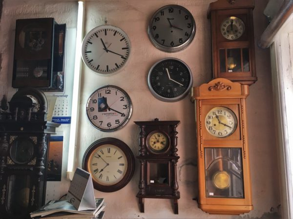 zidni satovi časovničar