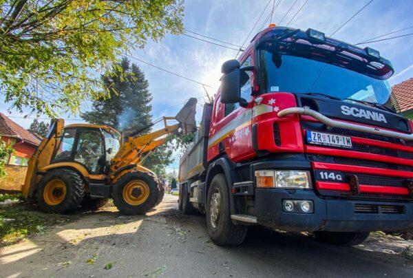 iskop - rušenje - nivelacija (ravnanje) terena - čupanje panjeva - odvoz šuta - prevoz građevinskih materijala i građevinskih mašina Zrenjanin